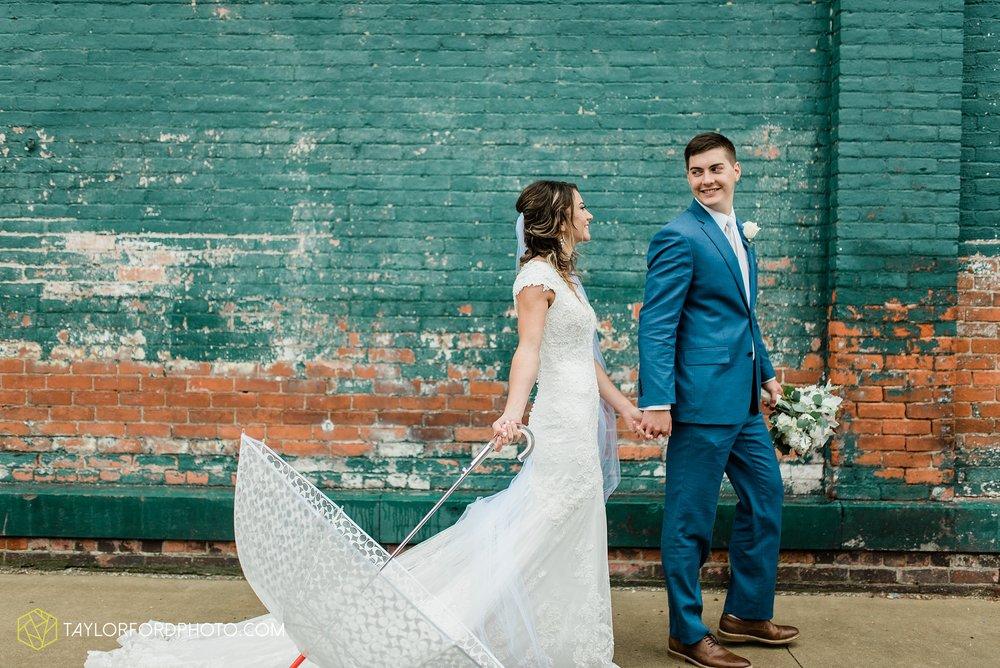 kacee-haden-sholl-second-story-saint-marys-knights-of-columbus-defiance-ohio-wedding-photographer-taylor-ford-photography_0186.jpg