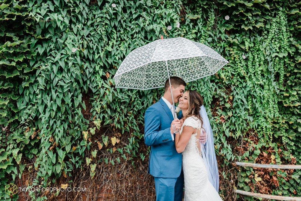 kacee-haden-sholl-second-story-saint-marys-knights-of-columbus-defiance-ohio-wedding-photographer-taylor-ford-photography_0188.jpg
