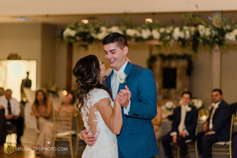 kacee-haden-sholl-second-story-saint-marys-knights-of-columbus-defiance-ohio-wedding-photographer-taylor-ford-photography_0194.jpg