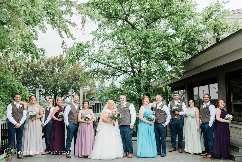 kearsten-alex-trame-watersedge-wedding-venue-rainy-day-columbus-hilliard-ohio-wedding-photographer-taylor-ford-photography_0250.jpg