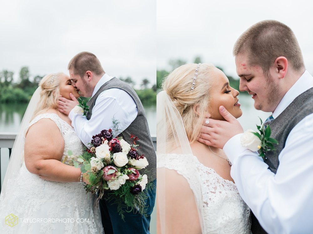 kearsten-alex-trame-watersedge-wedding-venue-rainy-day-columbus-hilliard-ohio-wedding-photographer-taylor-ford-photography_0264.jpg