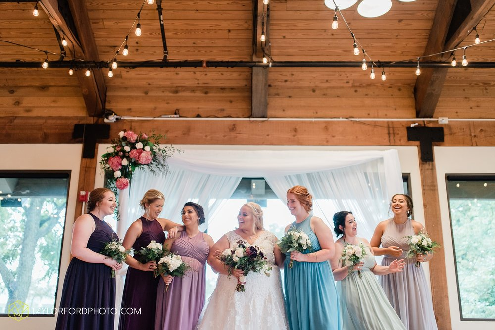 kearsten-alex-trame-watersedge-wedding-venue-rainy-day-columbus-hilliard-ohio-wedding-photographer-taylor-ford-photography_0280.jpg