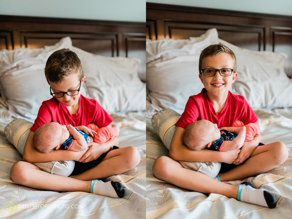 fort-wayne-indiand-newborn-lifestyle-family-at-home-photographer-taylor-ford-photography_0322.jpg