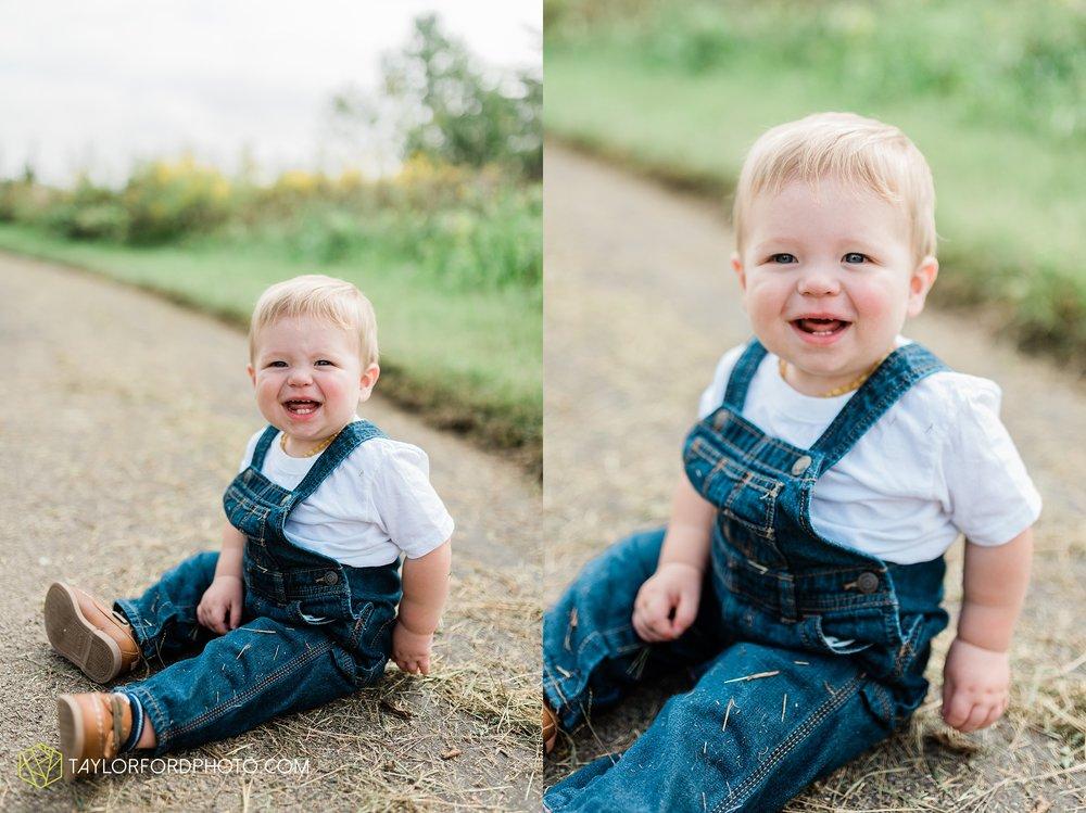van-wert-ohio-newborn-lifestyle-family-one-year-photographer-taylor-ford-photography_0331.jpg