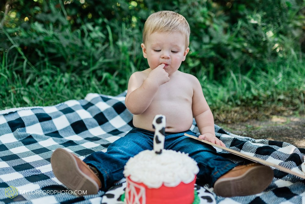 van-wert-ohio-newborn-lifestyle-family-one-year-photographer-taylor-ford-photography_0341.jpg