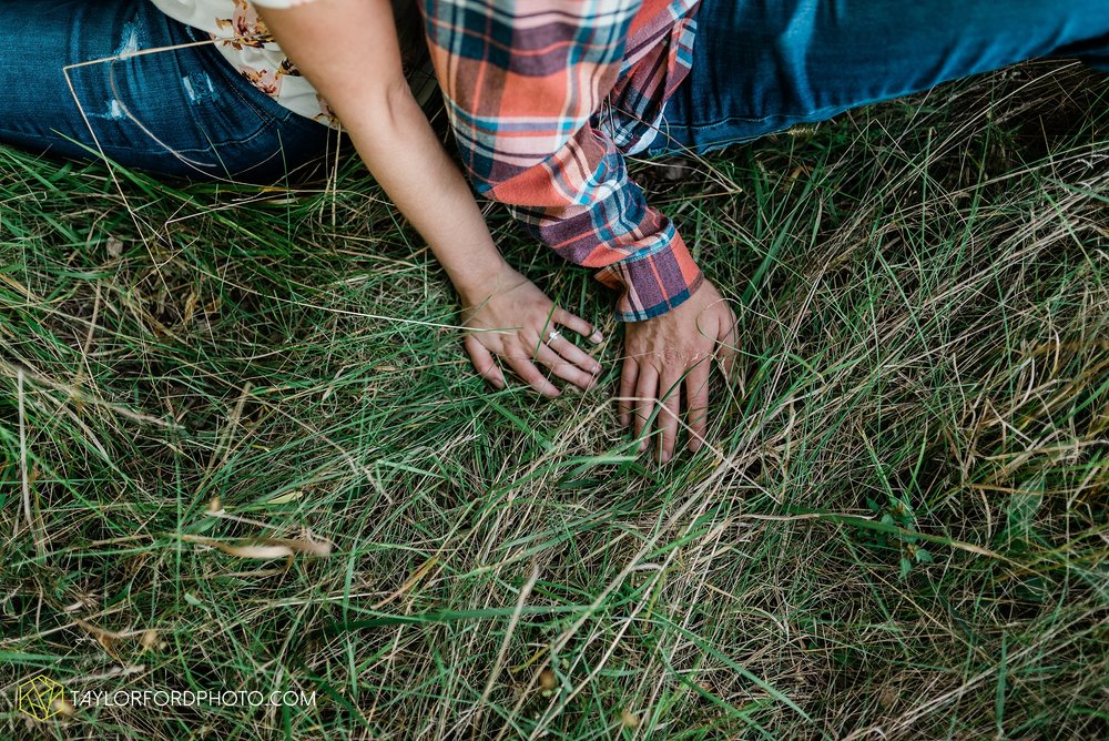 van-wert-ohio-late-summer-engagement-photographer-taylor-ford-photography_0353.jpg