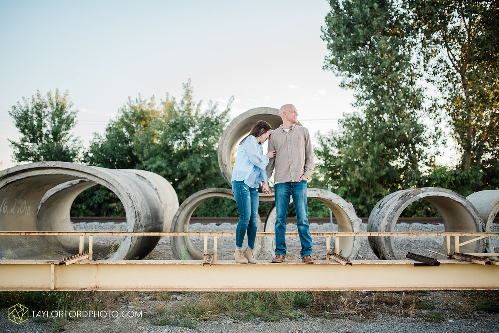 van-wert-ohio-late-summer-engagement-photographer-taylor-ford-photography_0361.jpg