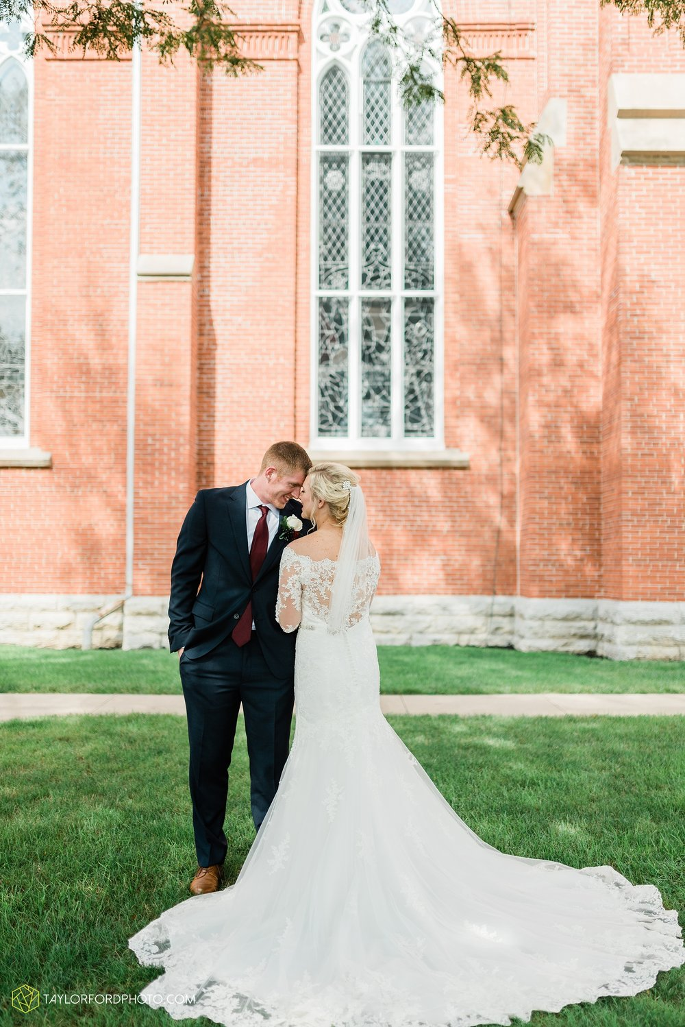 gayle-rayman-mike-steele-ottoville-ohio-wedding-immaculate-conception-parish-center-wedding-sycamore-lake-winery-wannamachers-photographer-taylor-ford-photography_0402.jpg