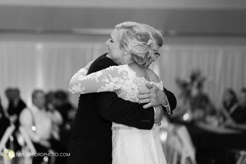 gayle-rayman-mike-steele-ottoville-ohio-wedding-immaculate-conception-parish-center-wedding-sycamore-lake-winery-wannamachers-photographer-taylor-ford-photography_0438.jpg