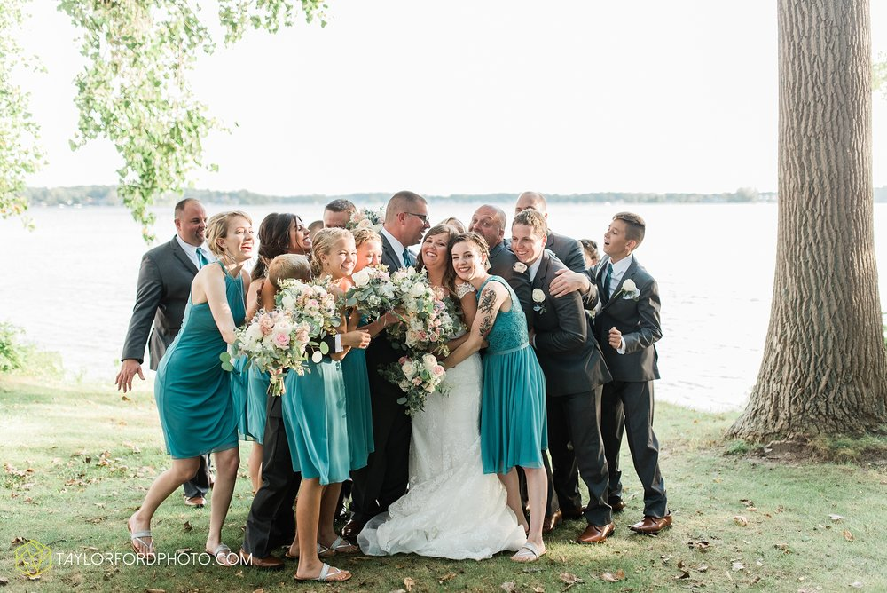 brook-loren-pokagon-state-park-angola-indiana-potowatomi-inn-wedding-fall-lake-james-photographer-taylor-ford-photography_0535.jpg