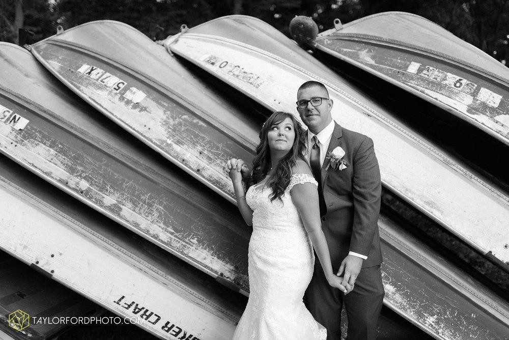 brook-loren-pokagon-state-park-angola-indiana-potowatomi-inn-wedding-fall-lake-james-photographer-taylor-ford-photography_0568.jpg