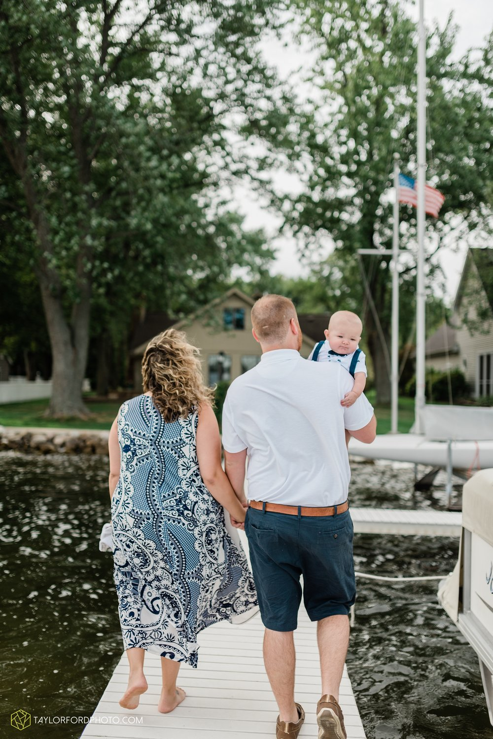 lake-wawasee-conklin-bay-lifestyle-family-september-late-fall-photographer-taylor-ford-photography_0602.jpg