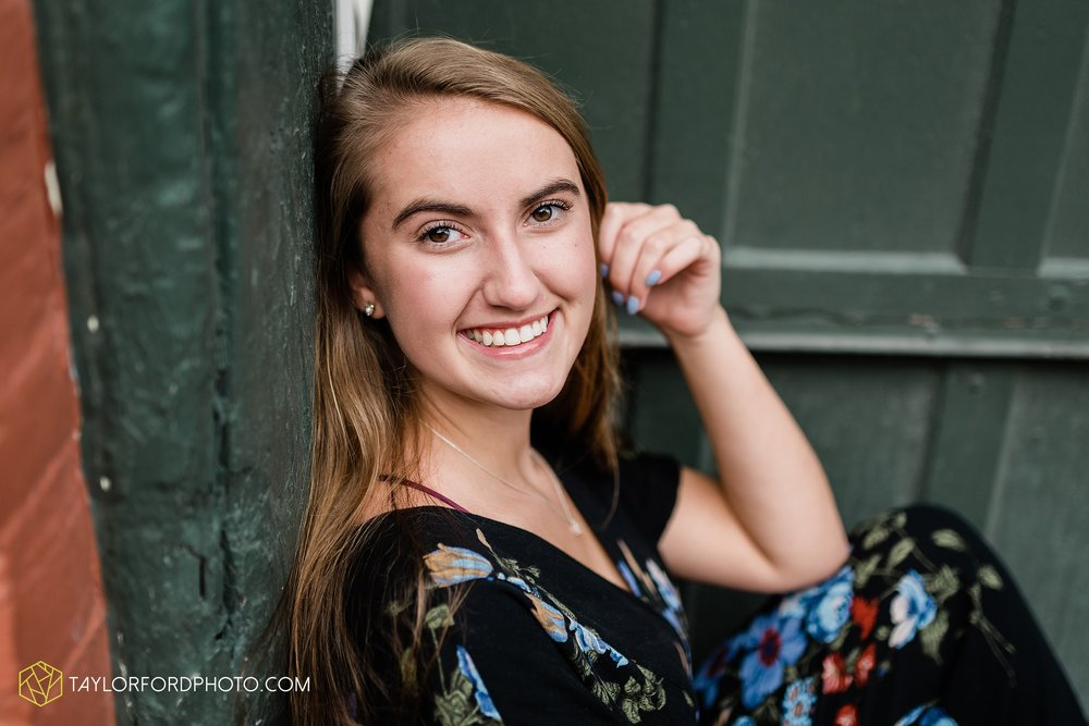 fort-wayne-indiana-carroll-high-school-senior-downtown-lake-side-rose-garden-photographer-taylor-ford-photography_0698.jpg