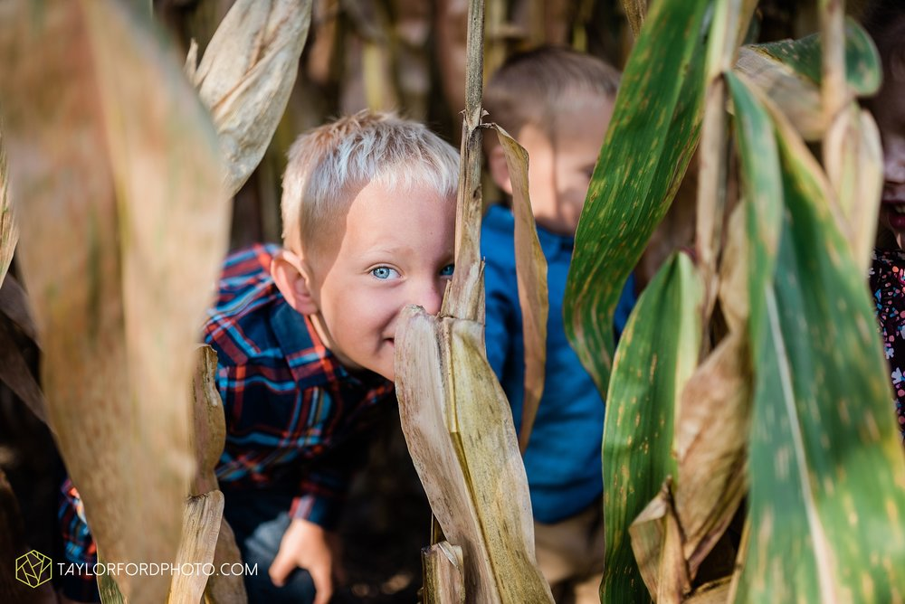 delphos-fort-jennings-ohio-at-home-lifestyle-farm-extended-family-photographer-taylor-ford-photography_0724.jpg