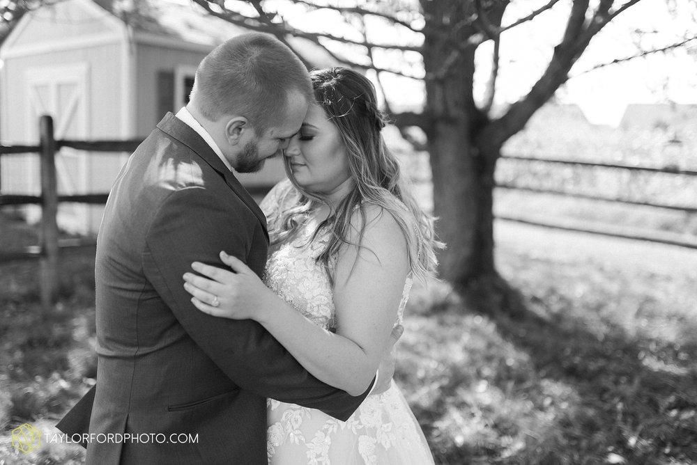 perrysburg-ohio-wedding-parkway-place-walbridge-park-toledo-ohio-maumee-ohio-photographer-taylor-ford-photography_0777.jpg