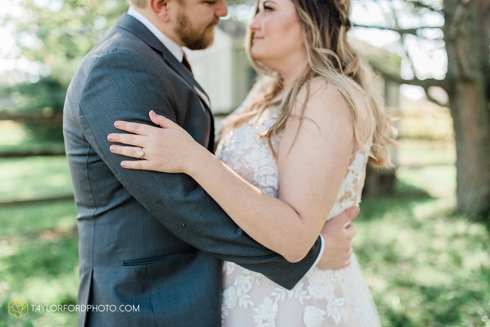 perrysburg-ohio-wedding-parkway-place-walbridge-park-toledo-ohio-maumee-ohio-photographer-taylor-ford-photography_0778.jpg