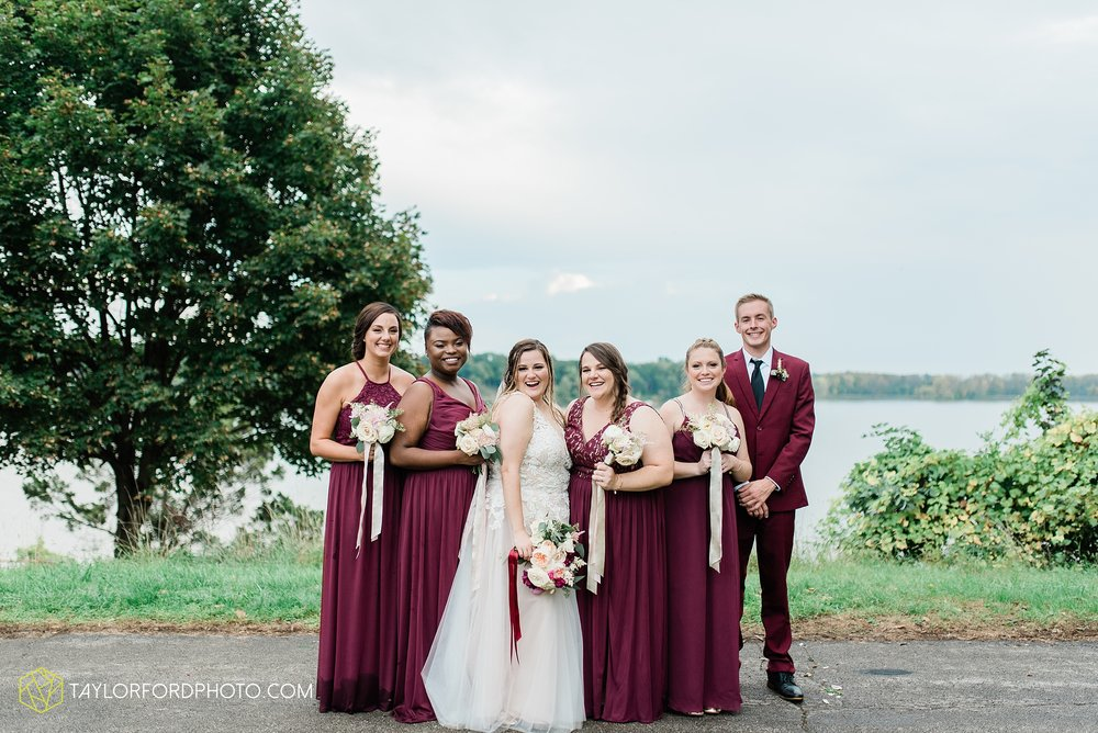 perrysburg-ohio-wedding-parkway-place-walbridge-park-toledo-ohio-maumee-ohio-photographer-taylor-ford-photography_0800.jpg