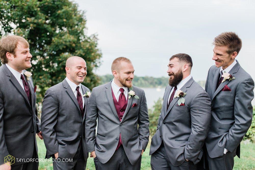perrysburg-ohio-wedding-parkway-place-walbridge-park-toledo-ohio-maumee-ohio-photographer-taylor-ford-photography_0802.jpg