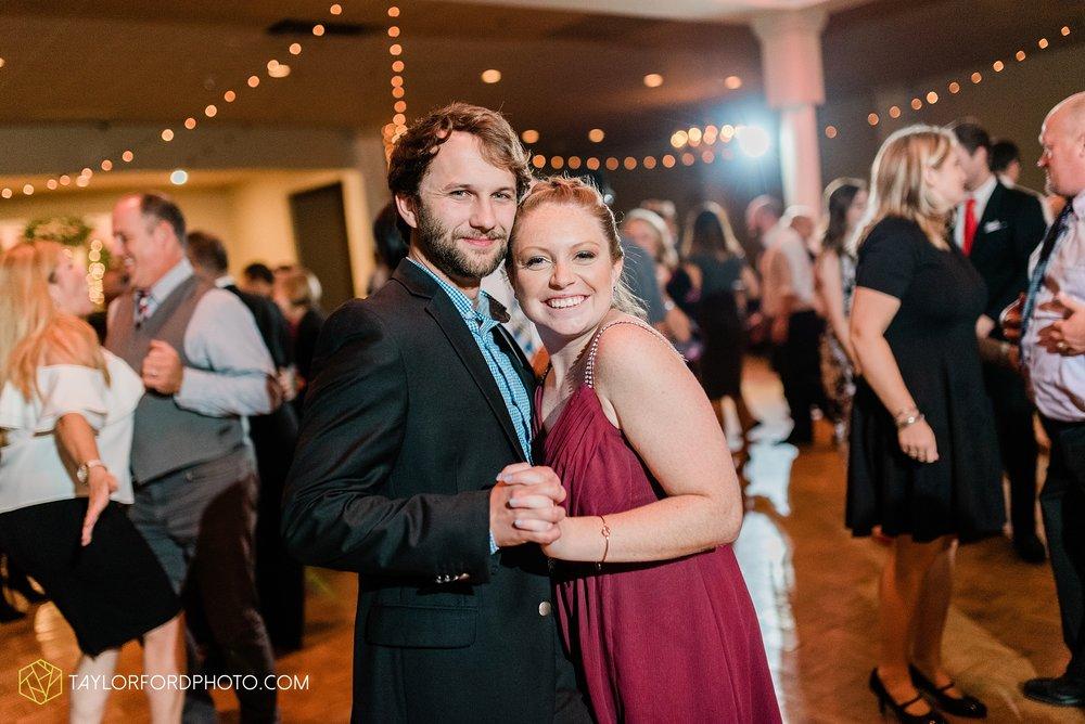 perrysburg-ohio-wedding-parkway-place-walbridge-park-toledo-ohio-maumee-ohio-photographer-taylor-ford-photography_0820.jpg