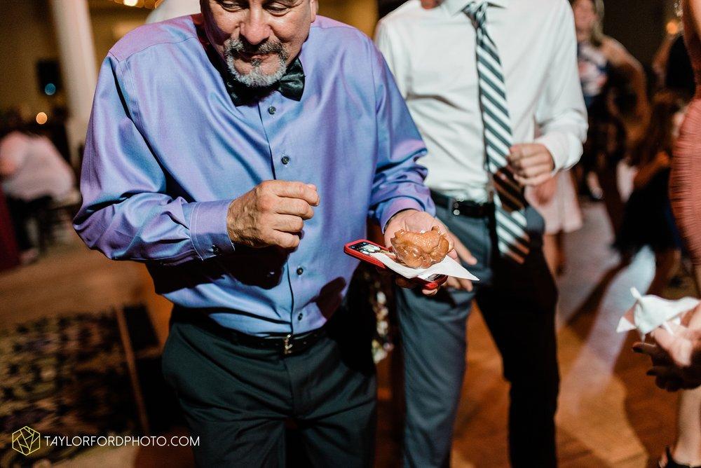 perrysburg-ohio-wedding-parkway-place-walbridge-park-toledo-ohio-maumee-ohio-photographer-taylor-ford-photography_0828.jpg