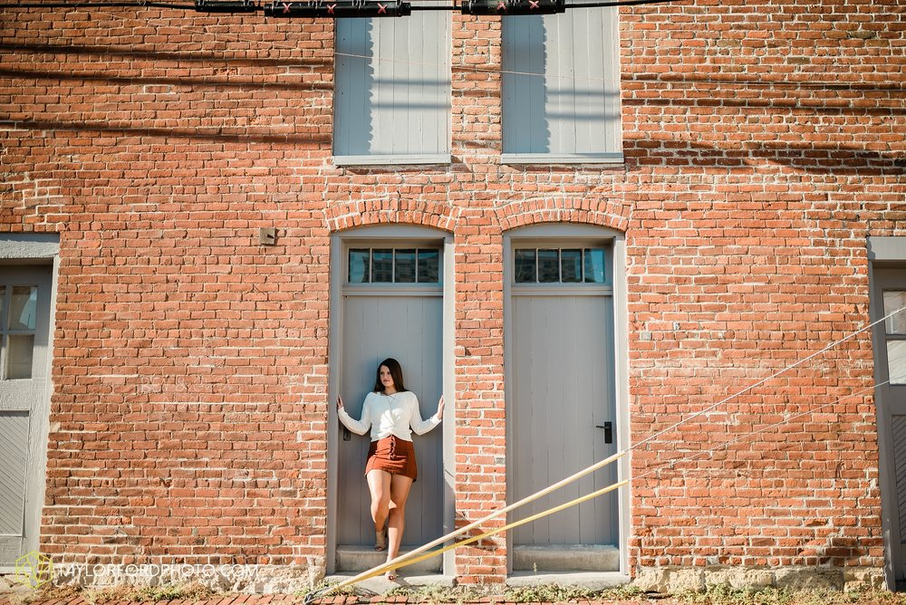 downtown-fort-wayne-indiana-senior-carroll-high-school-photographer-taylor-ford-photography_0747.jpg