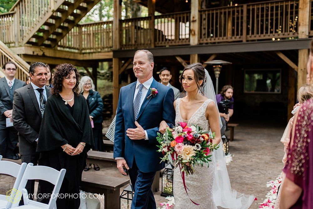 lexi-aric-benjamin-mohican-state-park-the-grand-barn-event-center-treehouse-wedding-cleveland-columbus-northeast-ohio-chicago-couple-wedding-photographer-taylor-ford-photography_5209.jpg
