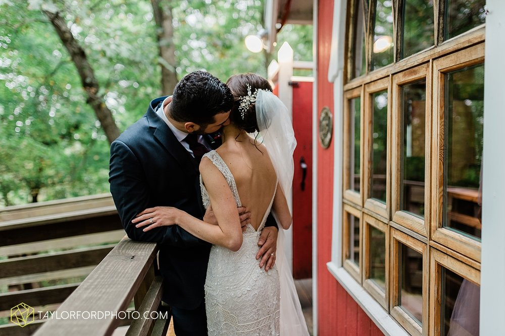 lexi-aric-benjamin-mohican-state-park-the-grand-barn-event-center-treehouse-wedding-cleveland-columbus-northeast-ohio-chicago-couple-wedding-photographer-taylor-ford-photography_5226.jpg
