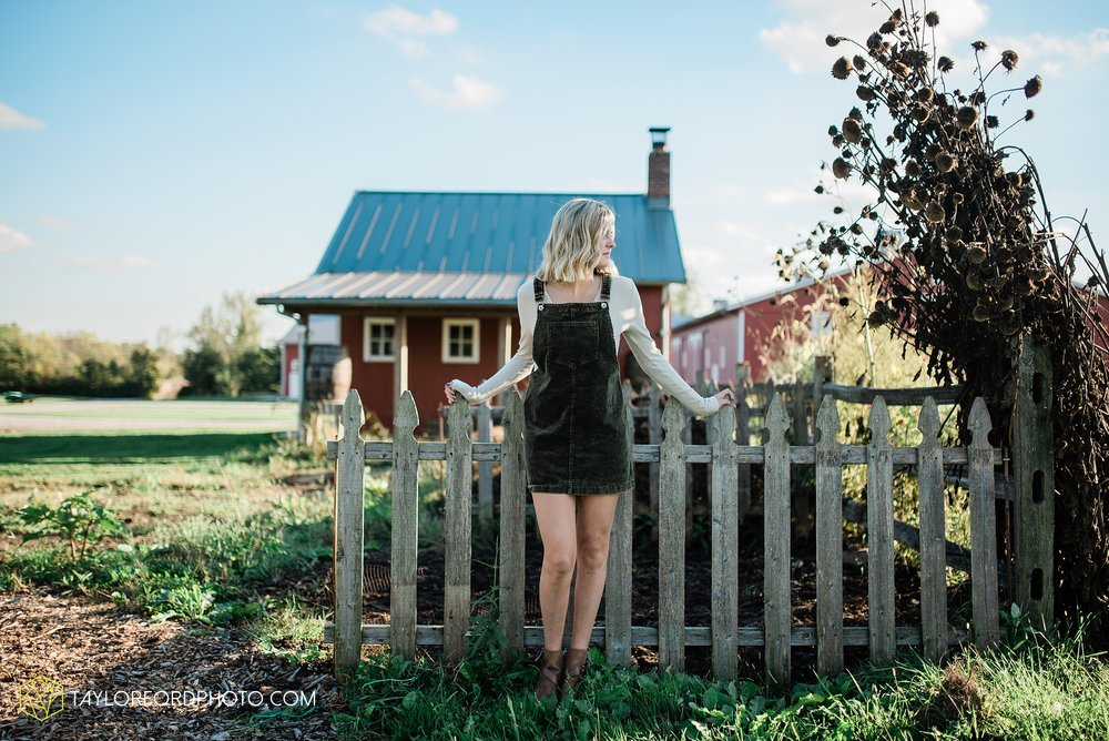 van-wert-high-school-ohio-senior-girl-downtown-cougar-photographer-taylor-ford-photography_0939.jpg