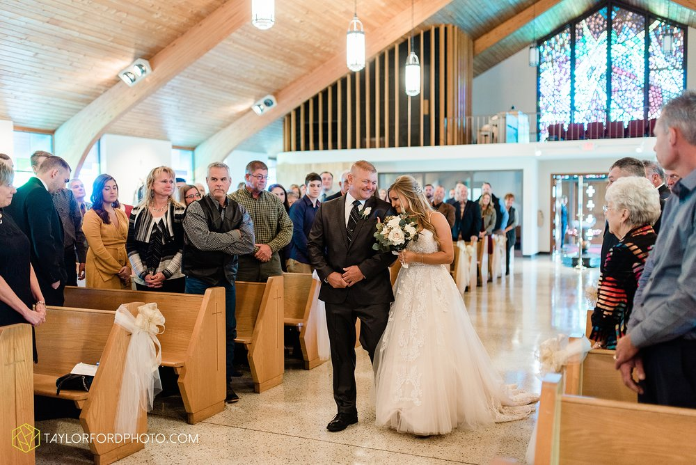 mckenzie-nofer-jordan-gibson-van-wert-ohio-wedding-saint-marys-of-the-assumption-backyard-pull-barn-reception-country-horse-photographer-taylor-ford-photography_1098.jpg