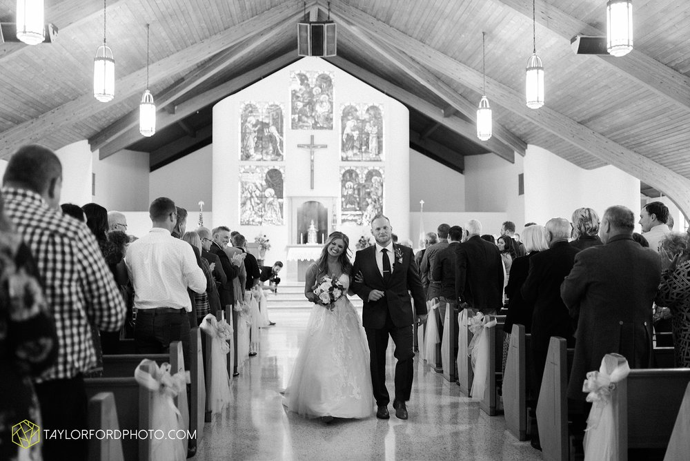 mckenzie-nofer-jordan-gibson-van-wert-ohio-wedding-saint-marys-of-the-assumption-backyard-pull-barn-reception-country-horse-photographer-taylor-ford-photography_1113.jpg