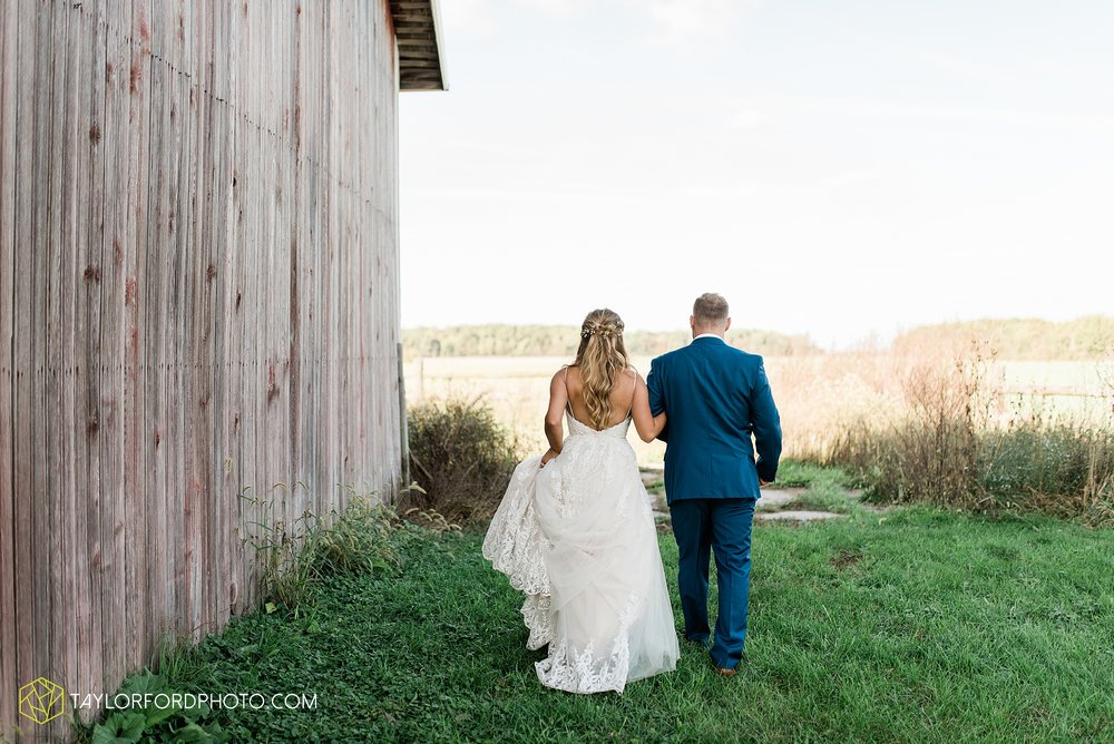 mckenzie-nofer-jordan-gibson-van-wert-ohio-wedding-saint-marys-of-the-assumption-backyard-pull-barn-reception-country-horse-photographer-taylor-ford-photography_1125.jpg