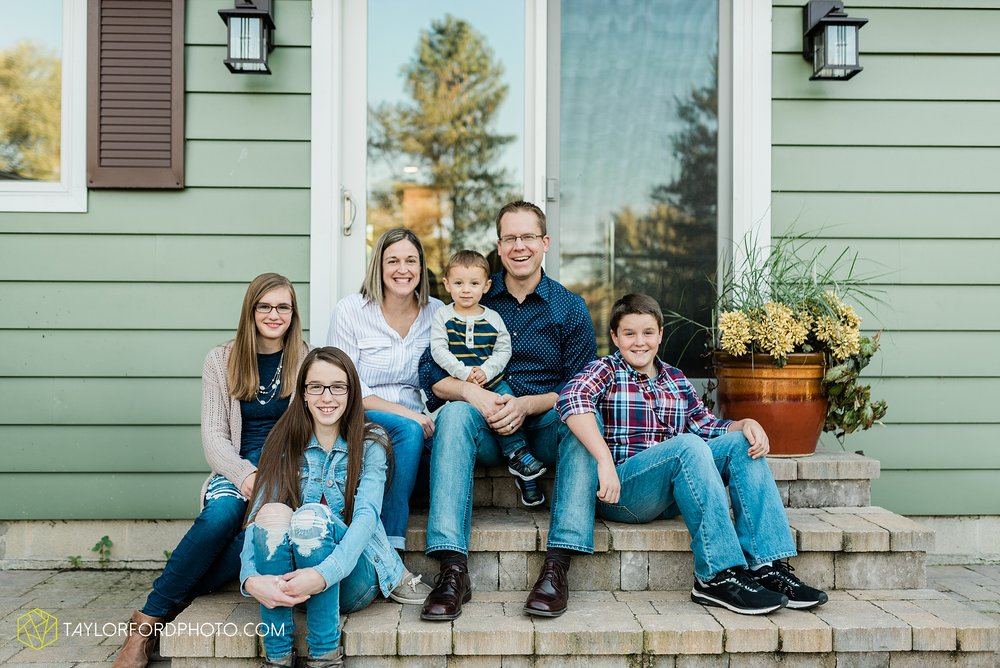 northwest-van-wert-ohio-backyard-at-home-outdoor-natural-light-stollerfamily-photographer-taylor-ford-photography_1229.jpg