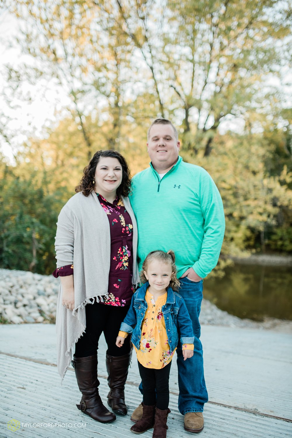 hogan-northeast-fort-wayne-indiana-family-fall-photographer-taylor-ford-photography_1370.jpg