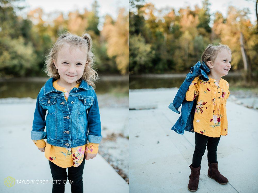 hogan-northeast-fort-wayne-indiana-family-fall-photographer-taylor-ford-photography_1377.jpg