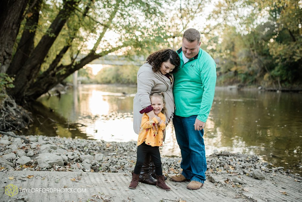 hogan-northeast-fort-wayne-indiana-family-fall-photographer-taylor-ford-photography_1383.jpg