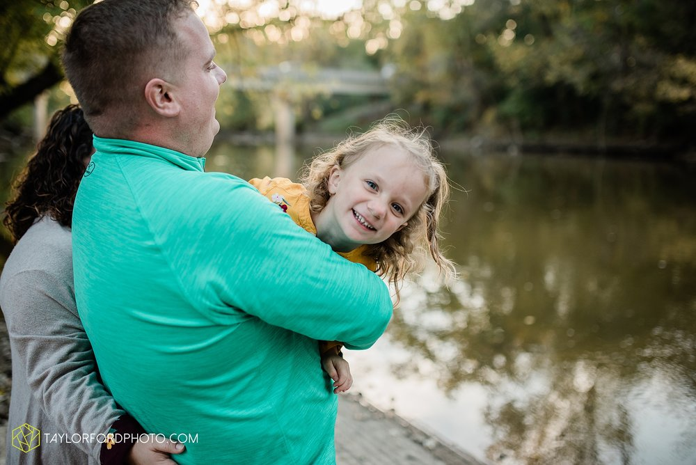 hogan-northeast-fort-wayne-indiana-family-fall-photographer-taylor-ford-photography_1386.jpg