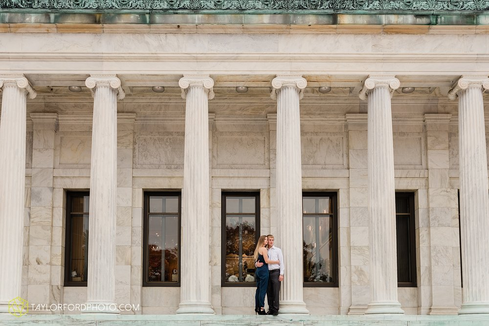 joce-chris-downtown-toledo-museum-of-art-engagement-fall-photographer-taylor-ford-photography_1479.jpg