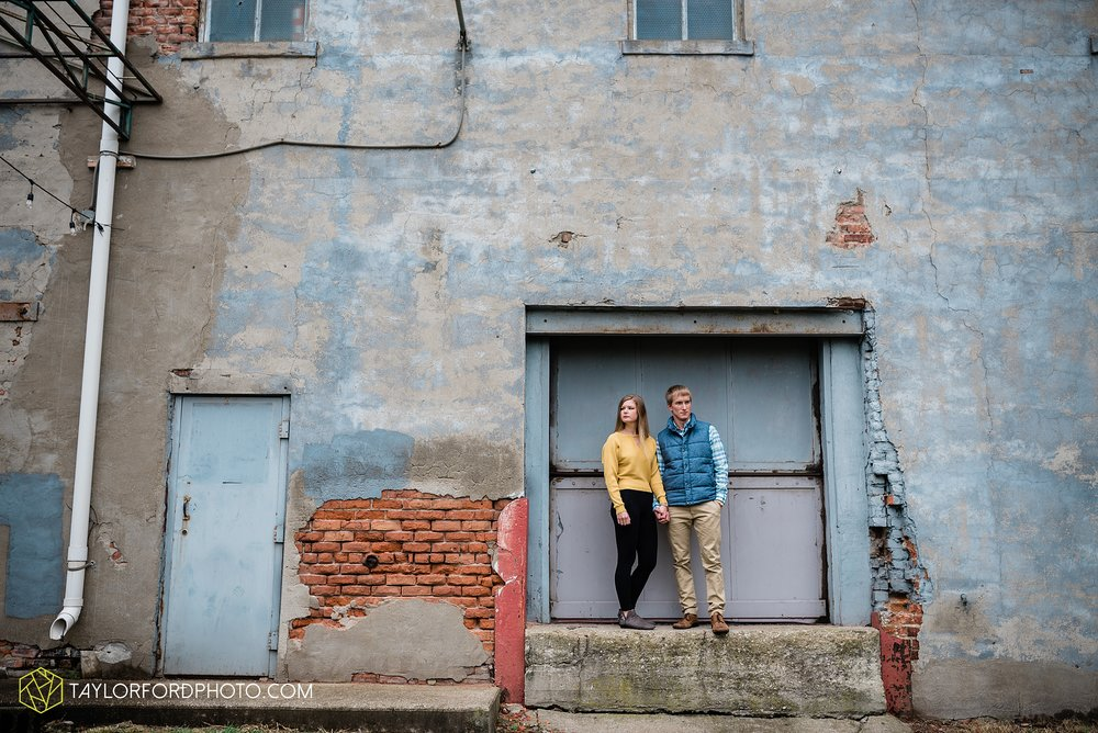 joce-chris-downtown-toledo-museum-of-art-engagement-fall-photographer-taylor-ford-photography_1482.jpg