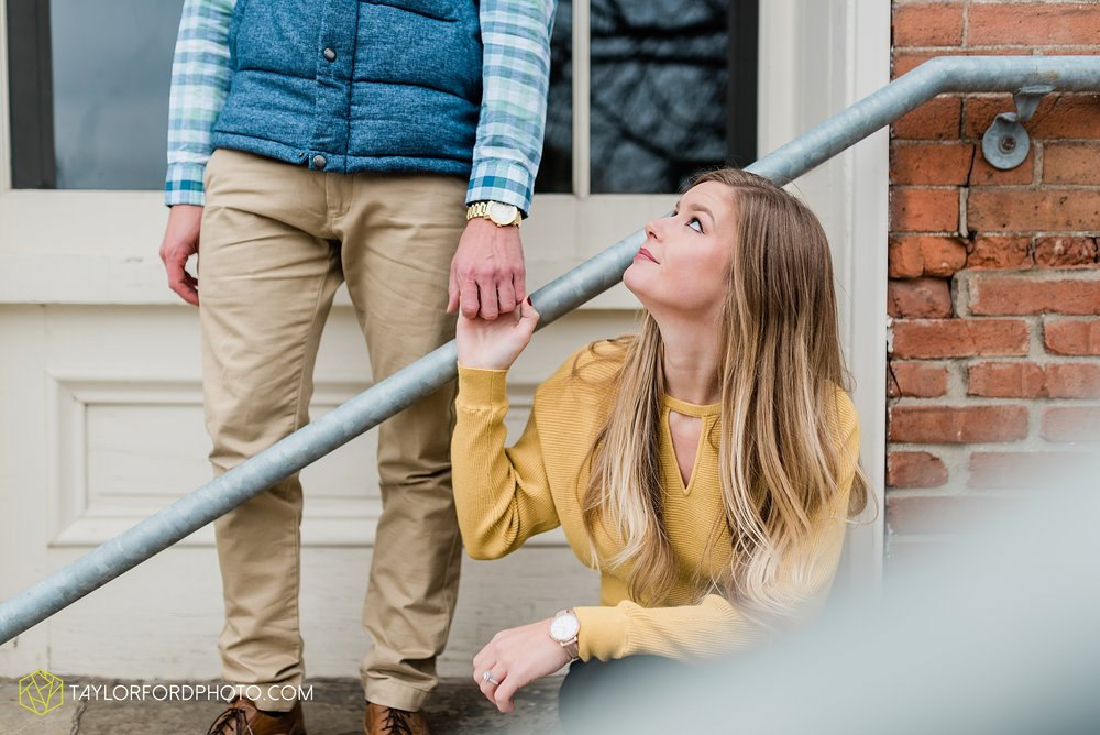 joce-chris-downtown-toledo-museum-of-art-engagement-fall-photographer-taylor-ford-photography_1484.jpg