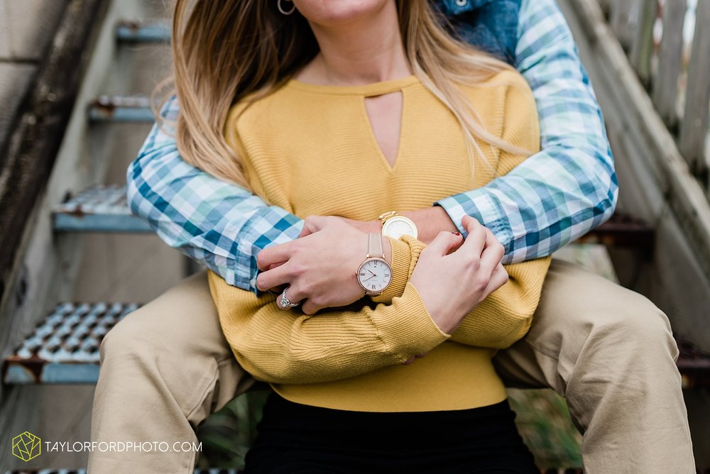 joce-chris-downtown-toledo-museum-of-art-engagement-fall-photographer-taylor-ford-photography_1487.jpg