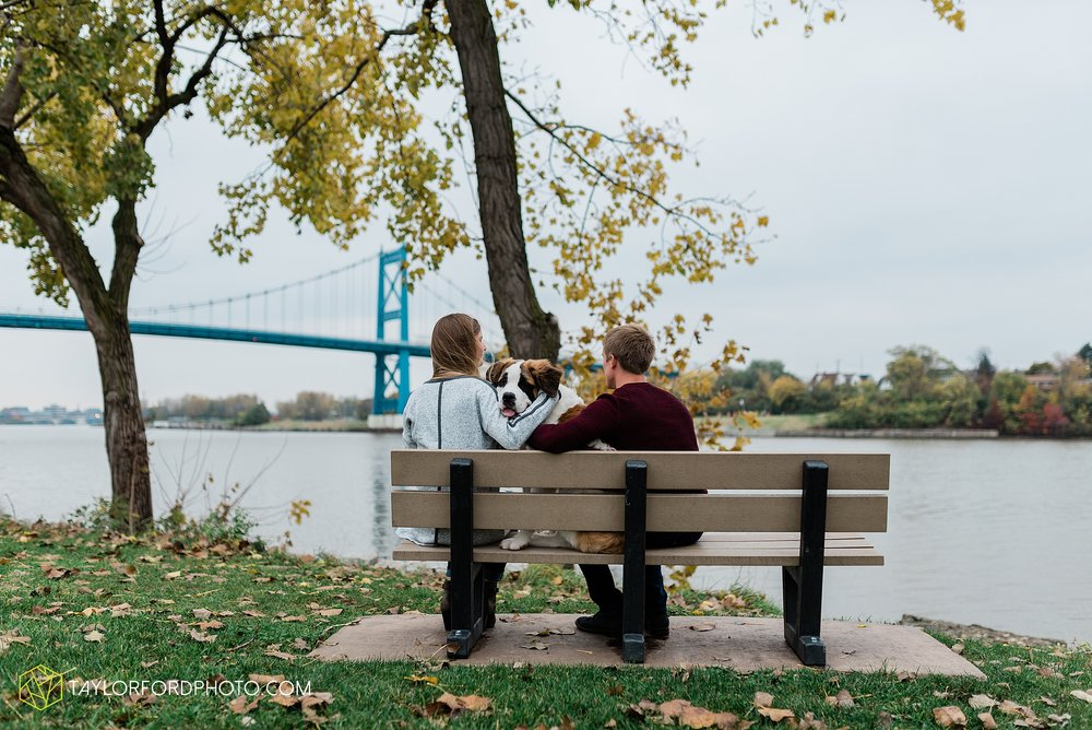 joce-chris-downtown-toledo-museum-of-art-engagement-fall-photographer-taylor-ford-photography_1491.jpg