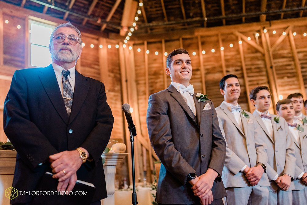 marissa-nicole-nick-daeger-orrmont-estate-farm-wedding-piqua-dayton-troy-ohio-fall-photographer-taylor-ford-photography_1524.jpg