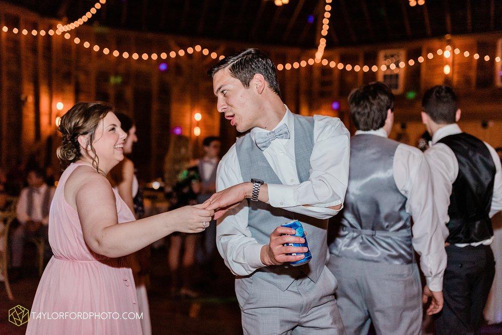 marissa-nicole-nick-daeger-orrmont-estate-farm-wedding-piqua-dayton-troy-ohio-fall-photographer-taylor-ford-photography_1571.jpg