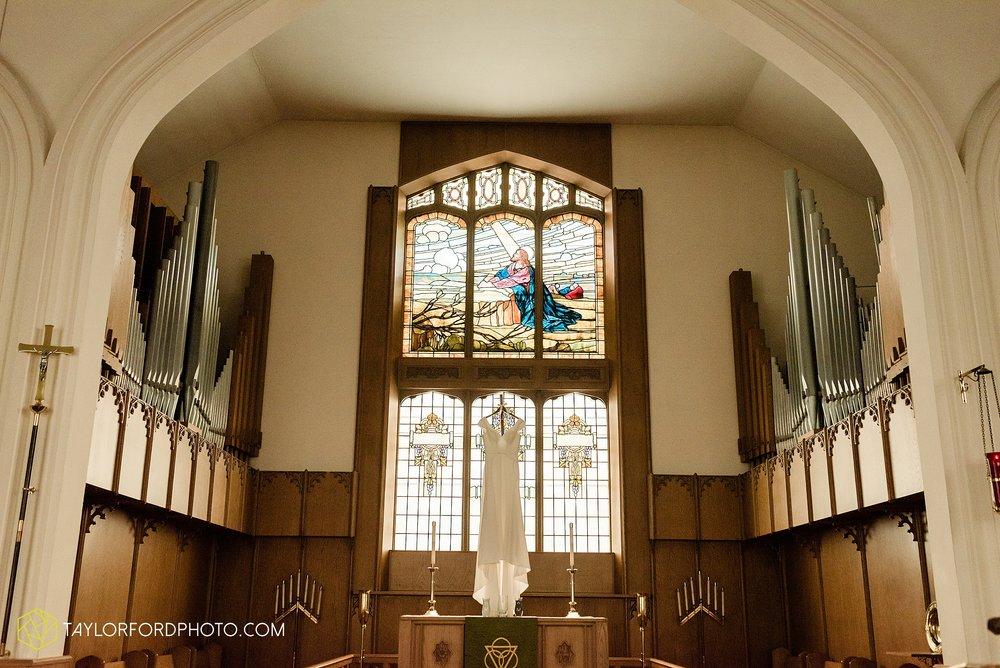 brooke-jacob-staley-van-wert-ohio-farm-wedding-saint-marks-church-november-classic-citizens-senior-center-photographer-taylor-ford-hirschy-photographer_1725.jpg
