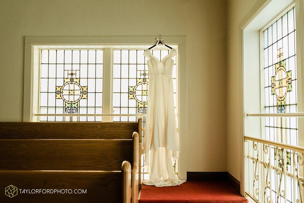 brooke-jacob-staley-van-wert-ohio-farm-wedding-saint-marks-church-november-classic-citizens-senior-center-photographer-taylor-ford-hirschy-photographer_1726.jpg