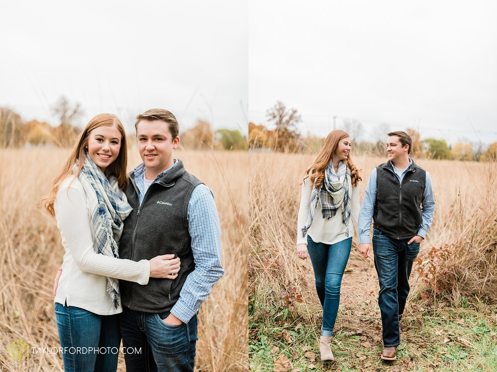 becca-connor-bonnell-fort-wayne-indiana-couples-mini-session-salomon-farm-fall-october-photographer-taylor-ford-photography_1628.jpg