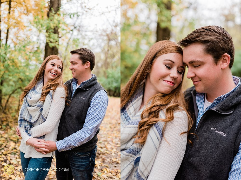 becca-connor-bonnell-fort-wayne-indiana-couples-mini-session-salomon-farm-fall-october-photographer-taylor-ford-photography_1631.jpg