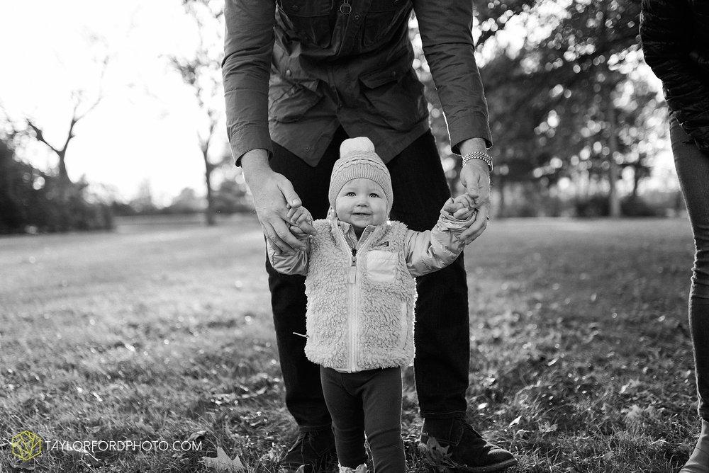 purmort-backyard-van-wert-ohio-fall-family-photographer-taylor-ford-hirschy-photographer_1674.jpg