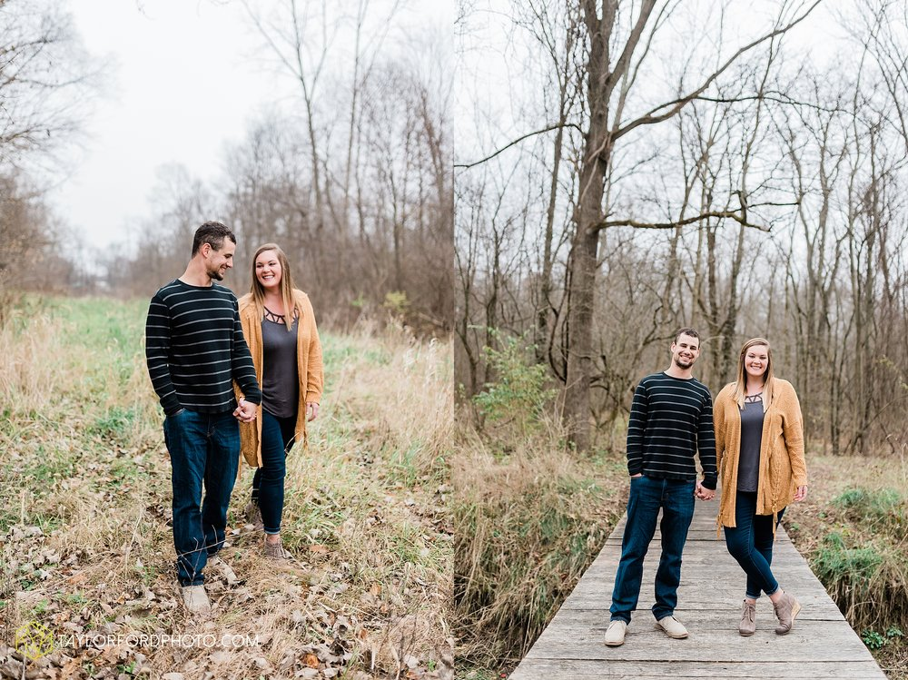 carol-hollis-taylor-fulk-columbia-city-marion-churubusco-indiana-engagement-farm-fall-woods-session-photographer-taylor-ford-hirschy-photographer_1691.jpg