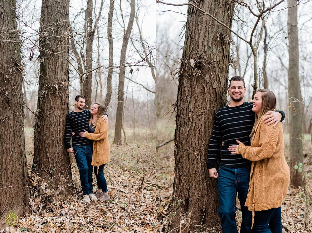 carol-hollis-taylor-fulk-columbia-city-marion-churubusco-indiana-engagement-farm-fall-woods-session-photographer-taylor-ford-hirschy-photographer_1697.jpg